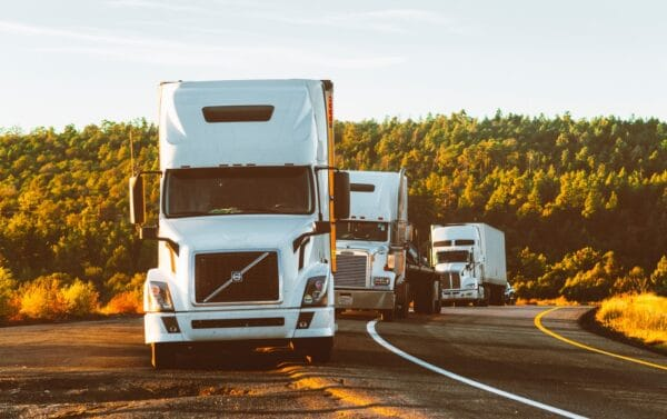 توصيل اغراض من الكويت لدول الخليج شركة نقل مقطورات في الكويت شركة خدمات نقل بري شركة نقل شاحنات ثقيلة في الكويت